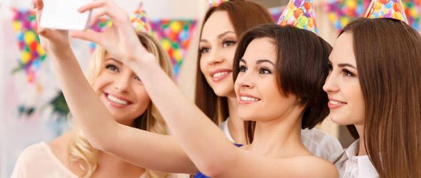 Как познакомиться с компанией девушек [Видео]